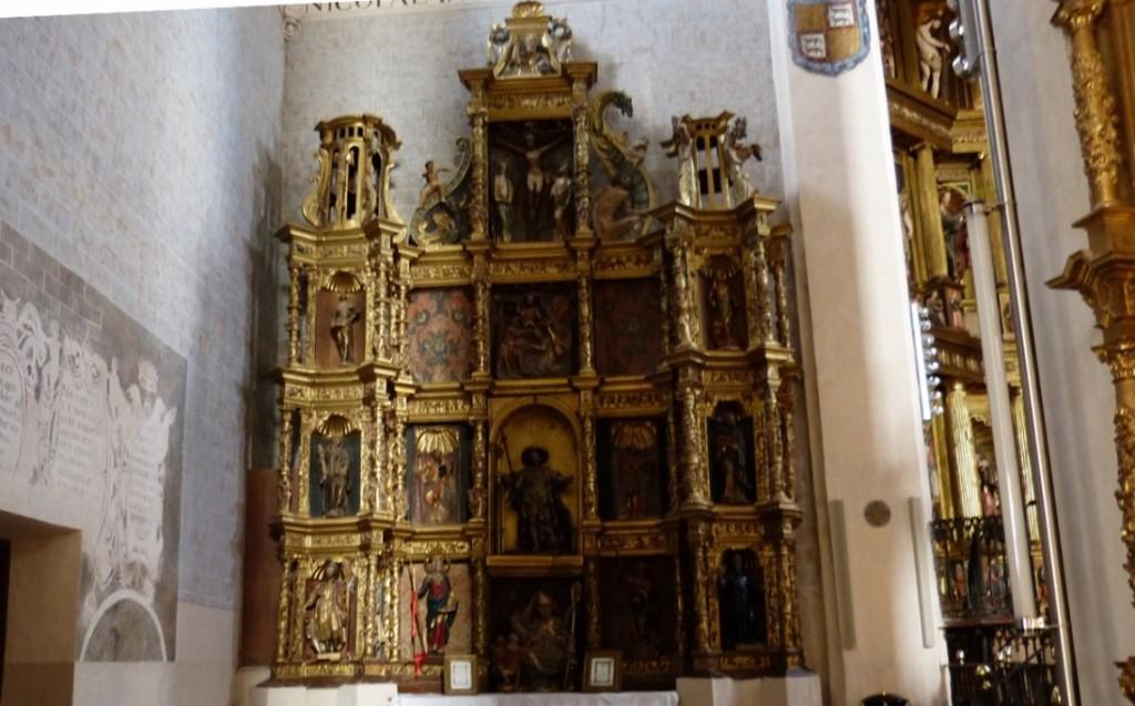 Retablo traido de la Iglesia del pueblo abandonado de Valdefuentes en San Pedro de Alaejos
