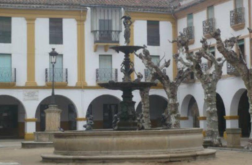 Fuente romántica en la Plaza del Buen Alcalde