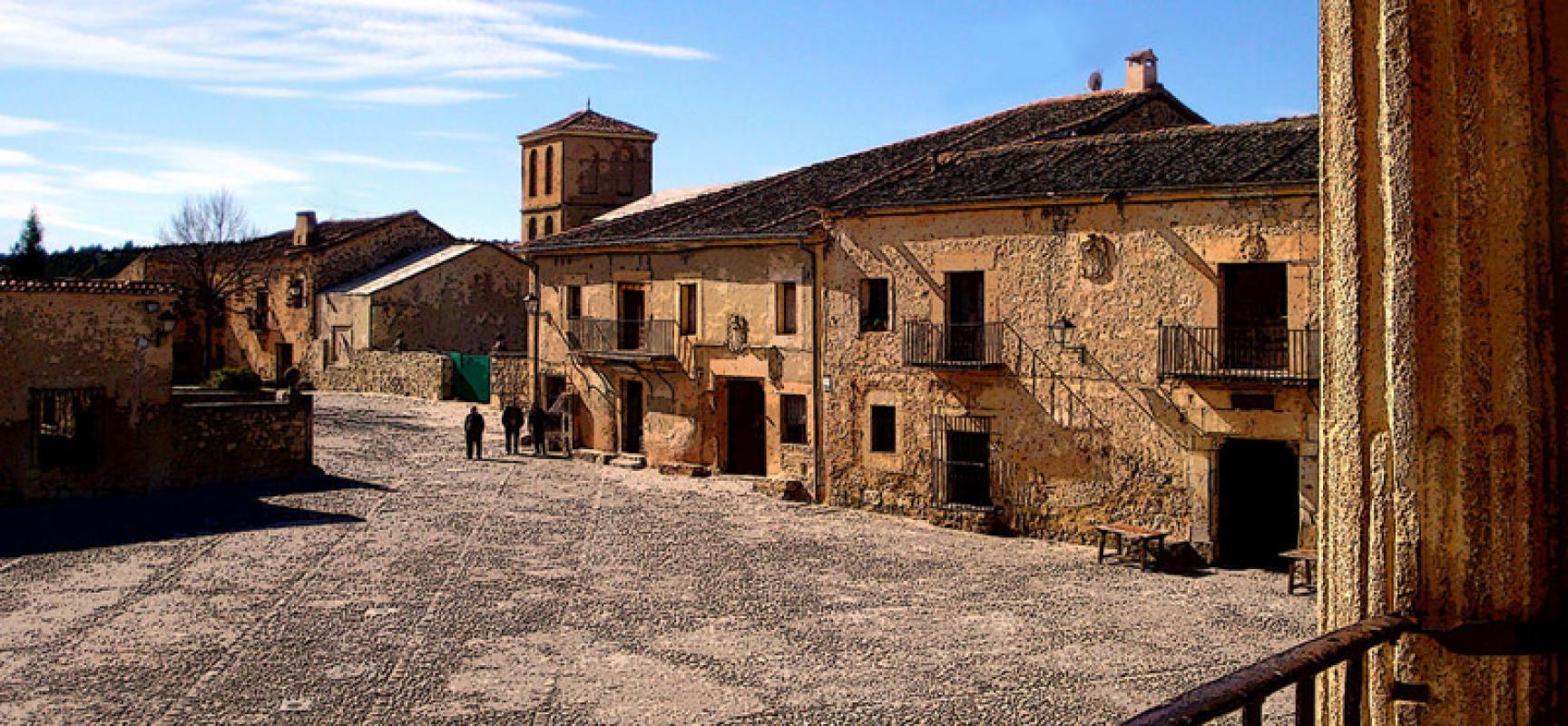 Los 10 rincones medievales m s bonitos de castilla y le n for Oficina turismo castilla y leon