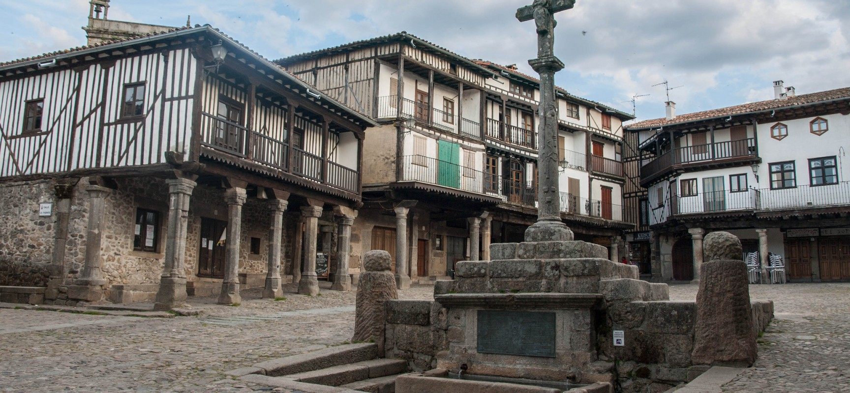 10 pueblos con encanto para disfrutar en castilla y le n for Oficina turismo castilla y leon