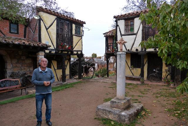 Félix Yáñez en su pueblo castellano