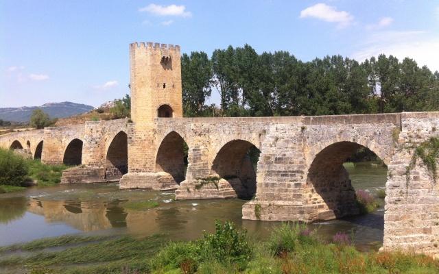 Puente sobre el Ebro - Destino Castilla y León