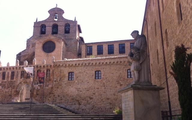 Entrada al Monasterio de Oña - Destino Castilla y León