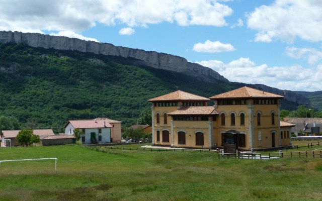 Casa del Parque y Centro de Interpretación de Ojo Guareña - Destino Castilla y León