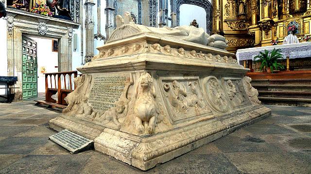 Sepulcro de Alonso de Fonseca en el Convento de las Úrsulas - Imagen de Wikipedia