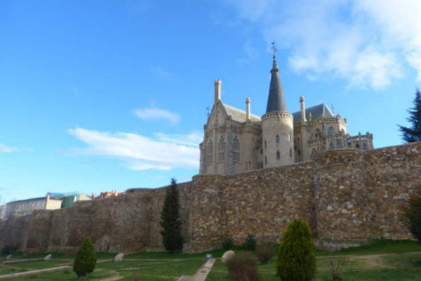 Muralla romana de Astorga - Destino Castilla y León