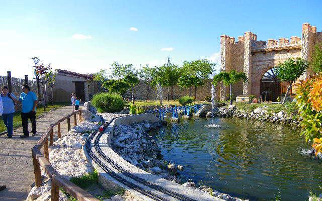 Lago del Parque temático del Mudéjar