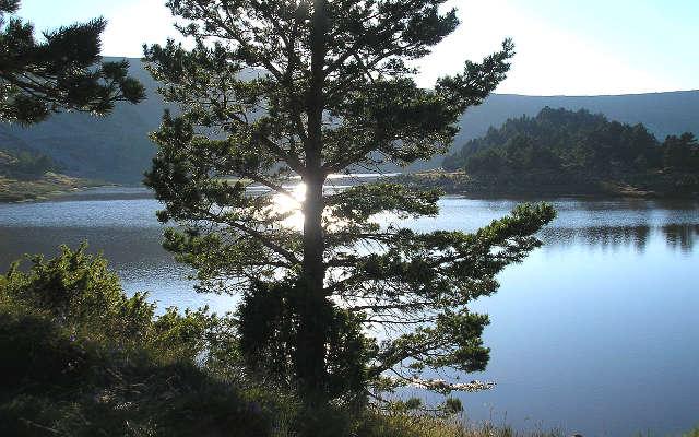 Parque Natural de las Lagunas Glaciares de Neila - Imagen de Wikipedia