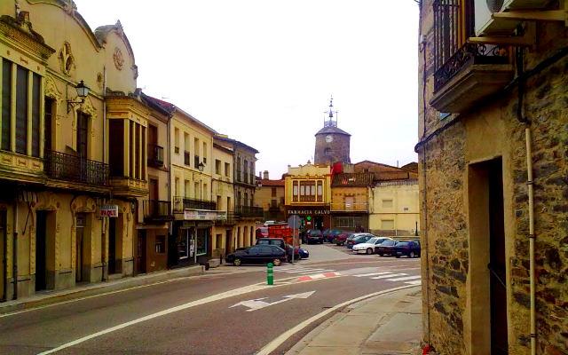 Plaza Mayor de Alcañices - Imagen de Mapio