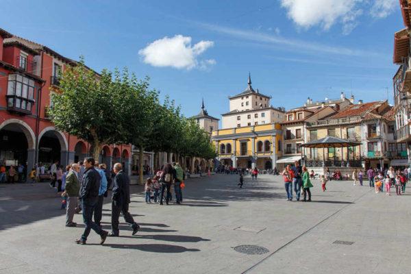 Plaza mayor de Aranda de Duero - imagen de Aranda y La Ribera