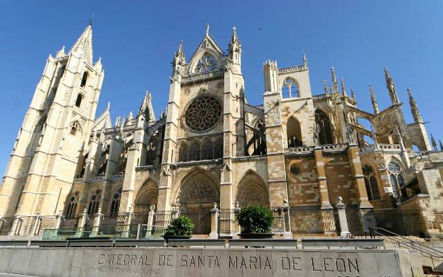Fachada sur de la Catedral de León - Imagen de VoyageVirtual