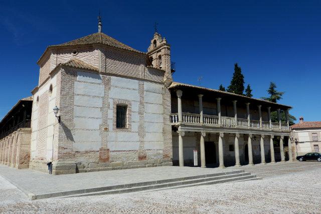 Viaje a madrigal de las altas torres la cuna de isabel i for Oficina de turismo de castilla y leon