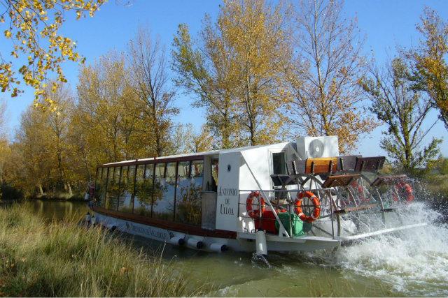 Paseo en Barco Canal de Castilla - Fuente: http://www.provinciadevalladolid.com