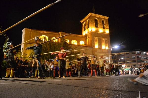 desfiles de inauguración y clausura en la Semana Renacentista de Medina del Campo