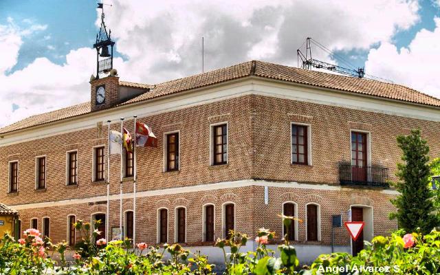 Ayuntamiento de Fresno el Viejo - Imagen de Ángel Álvarez