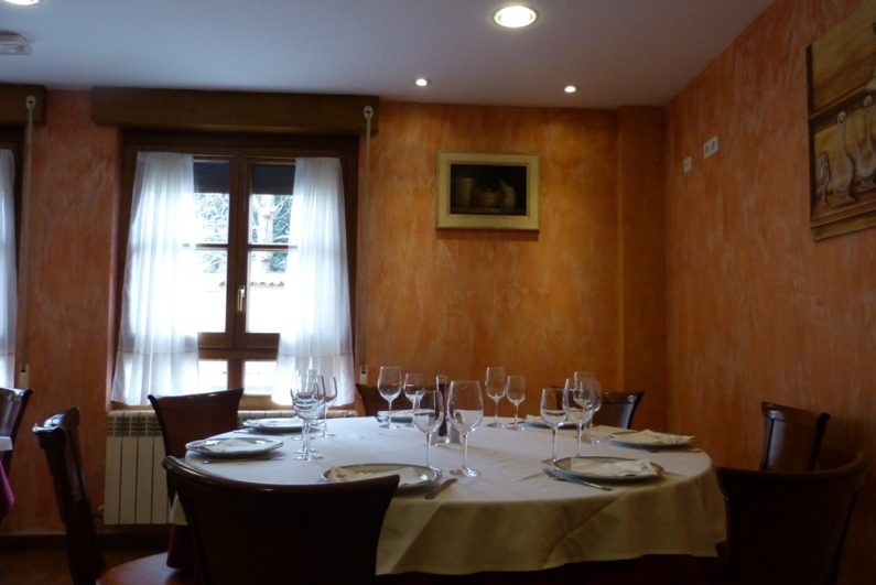 comedor del Hotel Restaurante La Corte de los Pinares de Vinuesa