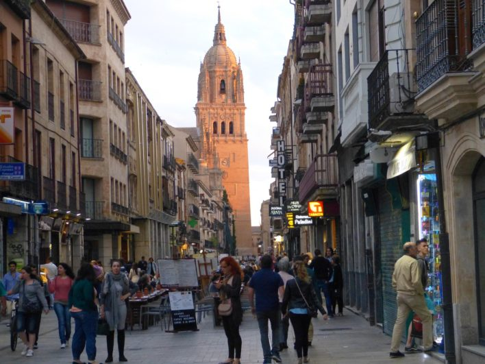 Torre de la Catedral de Salamanca al atardecer