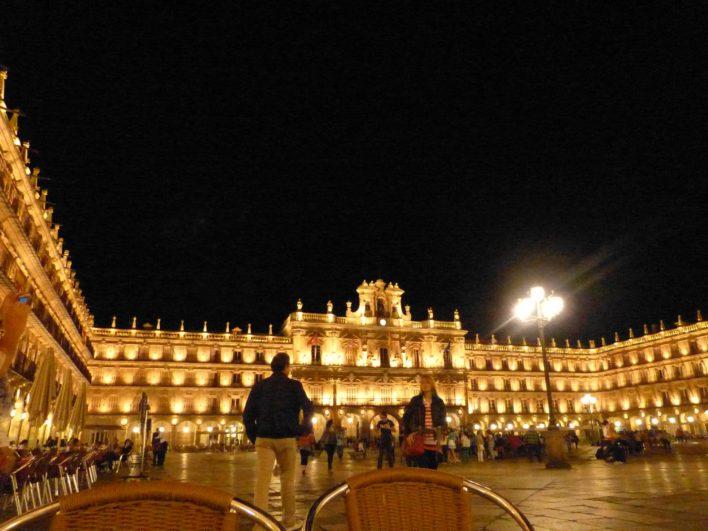 Ayuntamiento de Salamanca de noche 1