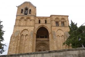 Fachada de la Basílica San Vicente