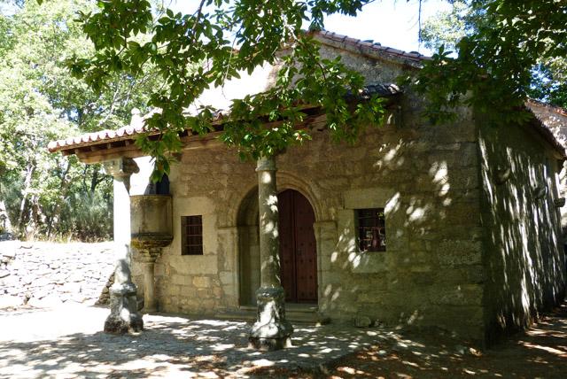 Ermita en la Alberca dentro de la senda de las raíces