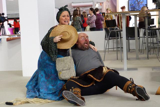Actores en el stand de Palencia