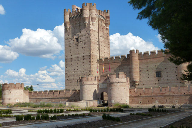 Fachada del Castillo de la Mota en Medina del Campo, Valladolid