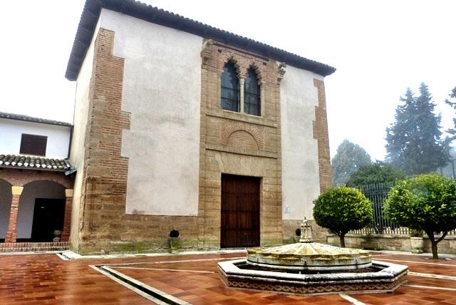 Fachada Múdejar Convento Santa Clara Astudillo, Palencia
