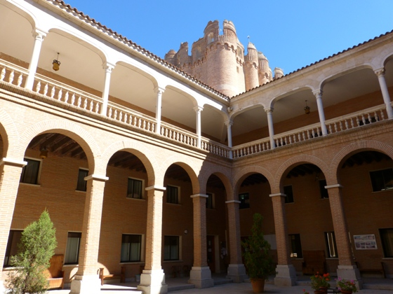 Patio interior del Castillo de Coca