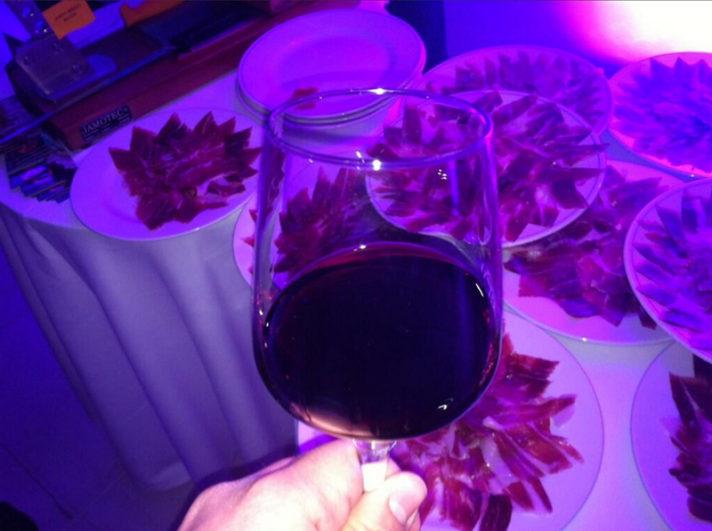 degustación de vino y jamón en la presentación Castilla y León Gatronomía