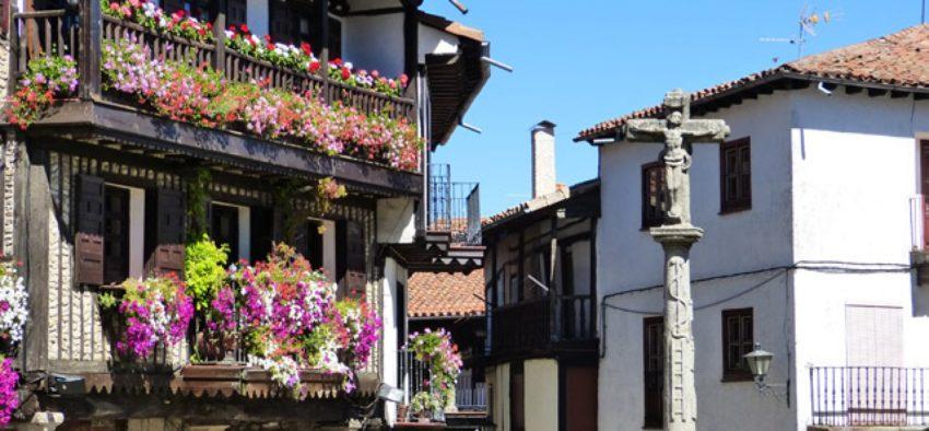 Plaza-Mayor-de-la-Alberca-1728x800