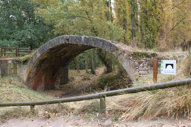 puente romano de Talcano Fuente: letrasdeviajes.blogspot.com
