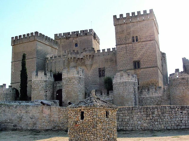 Castillo de Ampudia - Destino Castilla y León