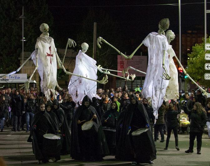 Noche de las Animas_Desfile de lámparas
