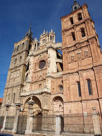 Fachada de la catedral de Astorga Foto: David Perez