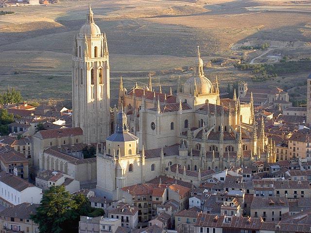 La Catedral de Segovia desde el aire