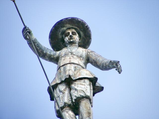 Escultura de Pedro Mato en la Catedral de Astorga - Destino Castilla y León