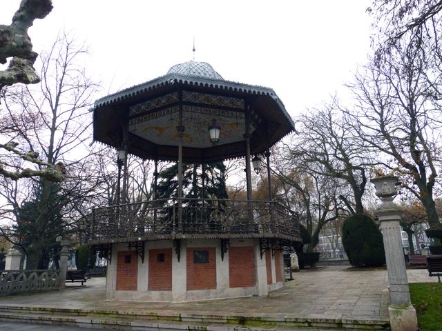 visita guiada por burgos, pérgola del paseo del espolón en Burgos
