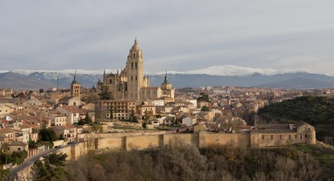Destino Castilla y León - Murallas de Segovia