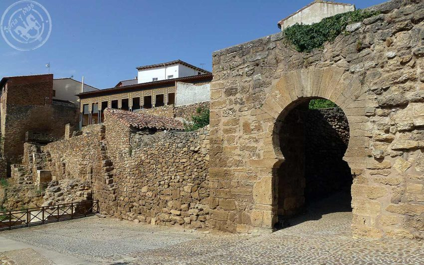 Ideas para viajar a Soria Arco de Ágreda