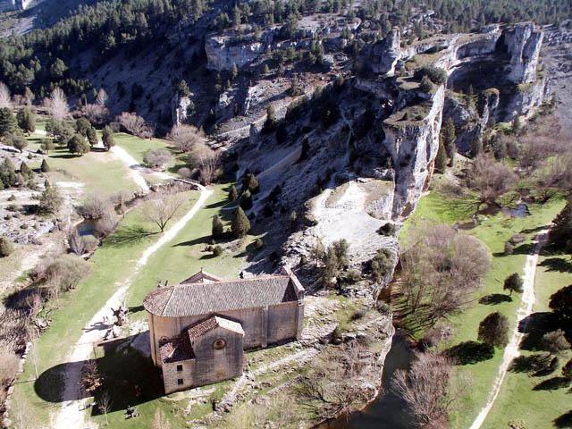 Ideas para viajar a Soria Cañon del Rio Lobos y la Ermita de San Bartolome