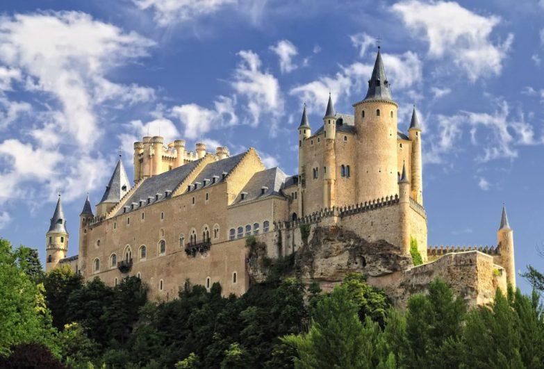 Exterior de Alcázar de Segovia - Destino Castilla y León