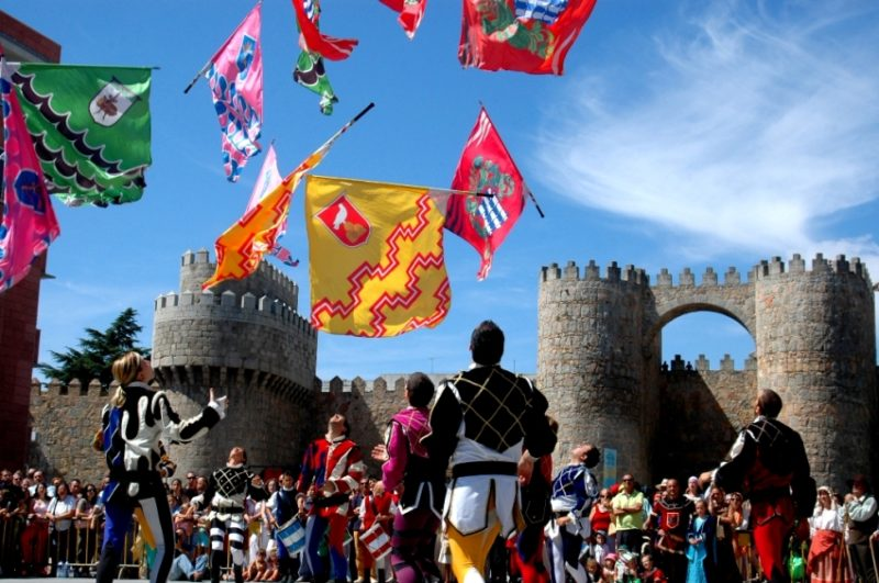 Mercado Medieval de Ávila - Destino Castilla y León - Portada