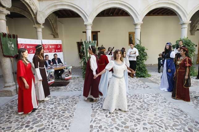 Ávila Medieval 2015, sábado 5 de septiembre Concurso de Disfraces - AvilaMedieval 2015 - Destino Castilla y León