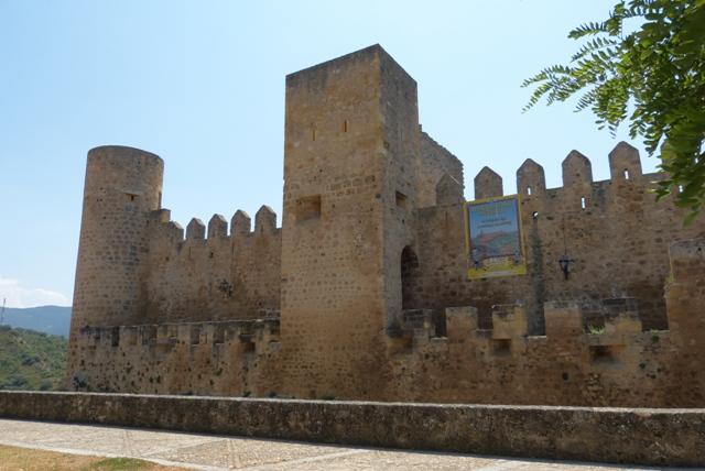 Frias Castillo - Destino Castilla y León