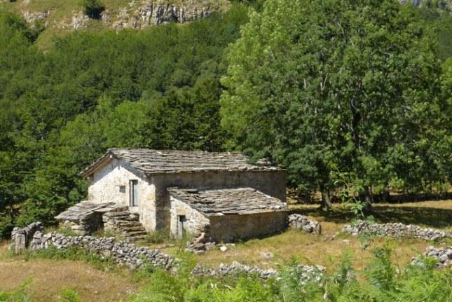 Casas Pasiegas en Merindades - Destino Castilla y León
