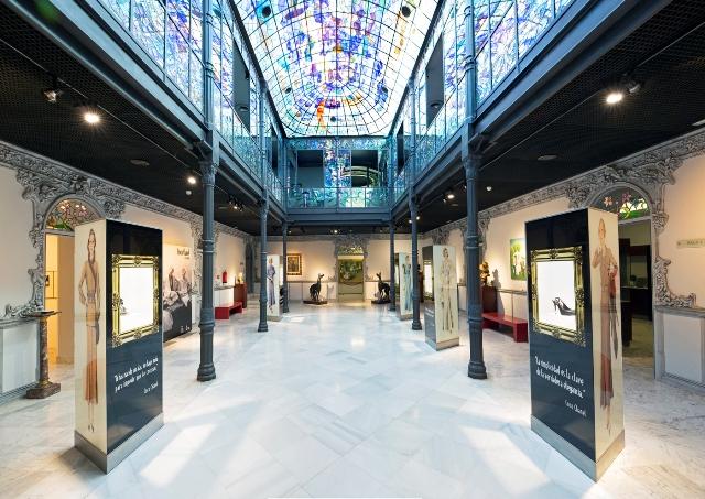Patio interior del Museo Casa Lis - Coco Chanel en la Casa Lis - Destino Castilla y León