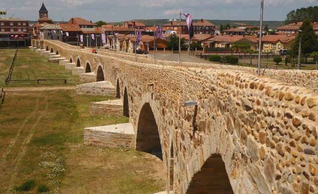 pueblos con encanto - Puente del Paso Honroso Hospital de Orbigo - Destino Castilla y León