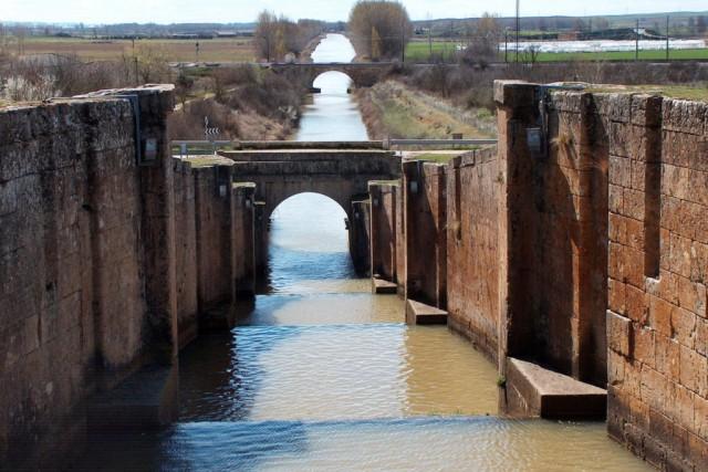 Canal de Castilla - Exclusa de Frómista - Destino Castilla y León