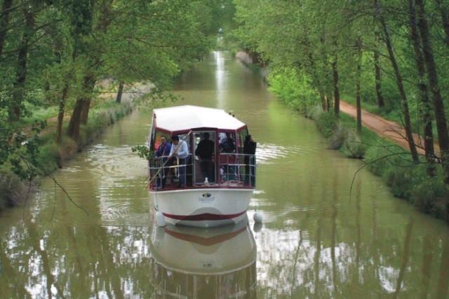 Canal de Castilla - Navegando - Destino Castilla y León