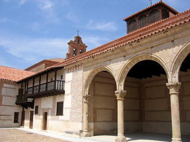 Ruta del Mudejar - Madrigal delas Altas Torres - Destino Castilla y León